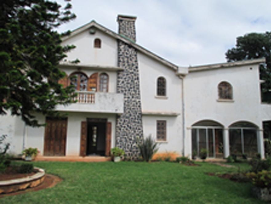 Villa à étage Amboditsiry (a vendre)